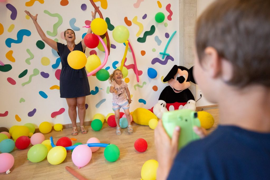 Event Production for the Walkie Talkie Kids Day © photo Sixshooter